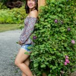 senior photo, senior photography, Olympia, Wa, Washington State photography, girl photography, flowers, park